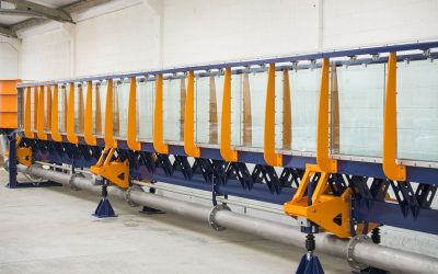 Synchronised jacking system for precision tilting on research flumes